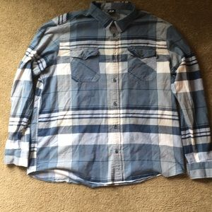 Men's Oakley button up